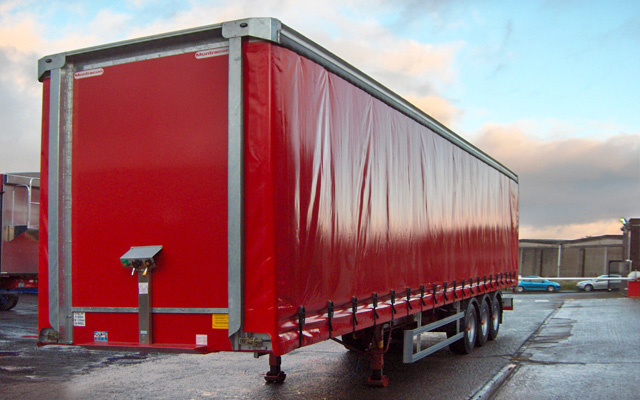 Curtainsided Trailer With Tri Axle Straightframe Ref 1401