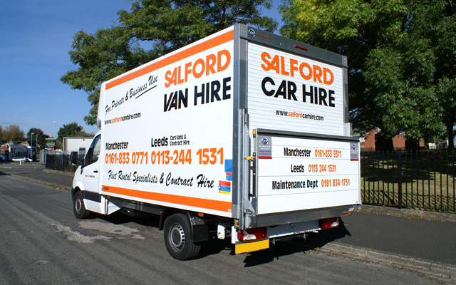 Hire a 3.5T GVW Tail Lift Luton