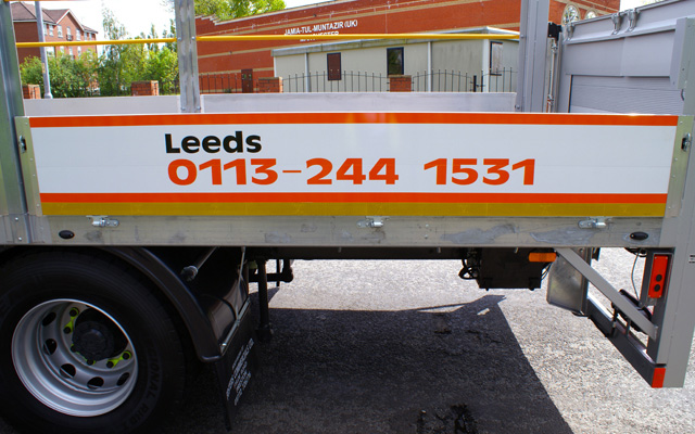 Salford Van Hire Leeds >> Hire a 17/18 Tonne GVW Dropsided Truck with Tail Lift - Salford Van Hire, Manchester & Leeds