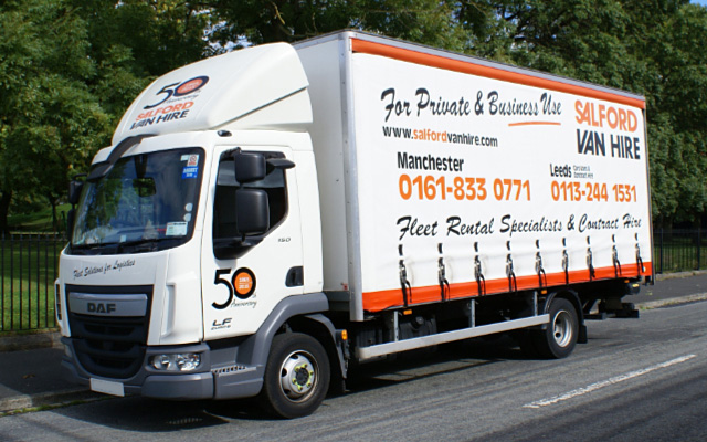 Hire a 17/18T GVW Curtainsided with Tail Lift